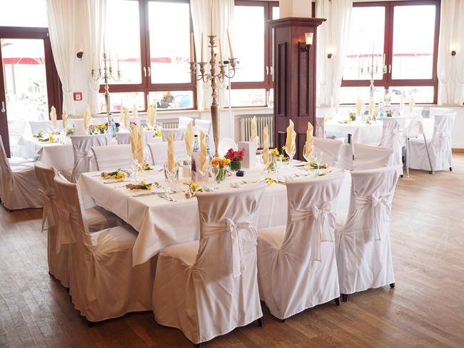 5 id es originales pour la carte de menu de votre mariage - Comment disposer les tables pour un mariage ...
