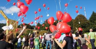Lâcher de ballons pour un mariage : comment l'organiser soi-même