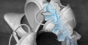 Explications sur les 4 éléments porte-bonheur du mariage : vieux, neuf, prêté, bleu