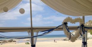 Organiser un mariage sur la plage : où, comment et idées