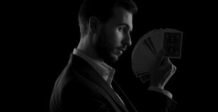 Lucas Nolan - Magicien Mentaliste Hypnotiseur