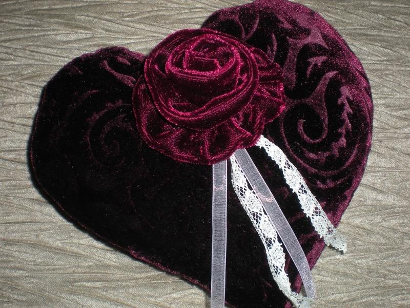 confection de coussins pour alliances de mariage fleurs et d coration par l 39 atelier de la f te. Black Bedroom Furniture Sets. Home Design Ideas