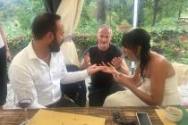 Magicien avec les mariés